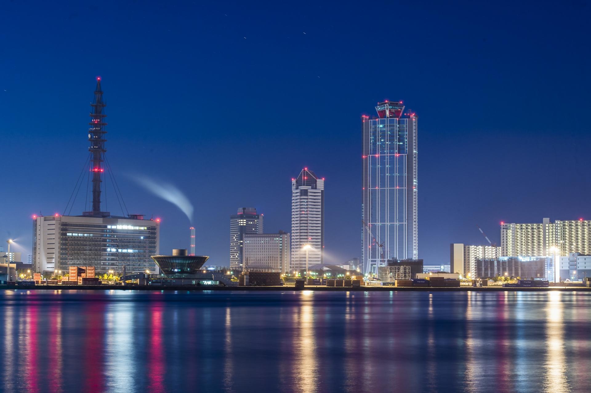 大阪南港の夜明け